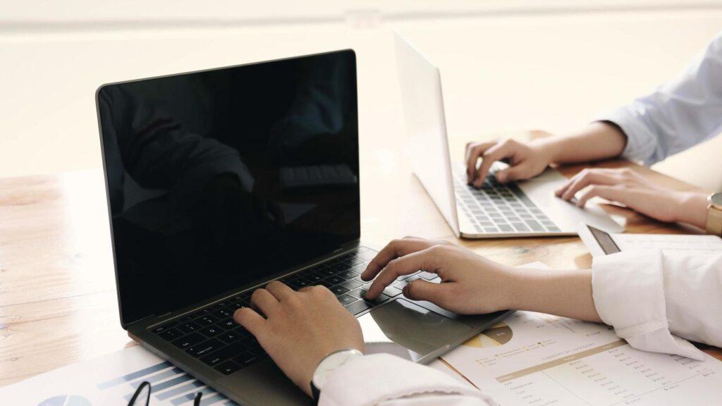¿Qué opinan las universidades de Latinoamérica sobre los sistemas de supervisión de exámenes en línea?